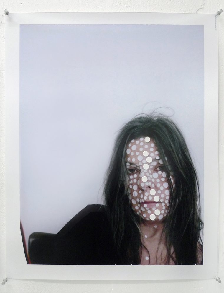 Marina Faust : self portrait with dots